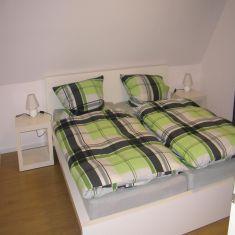 schlafzimmer-whg2-1_c1050_811